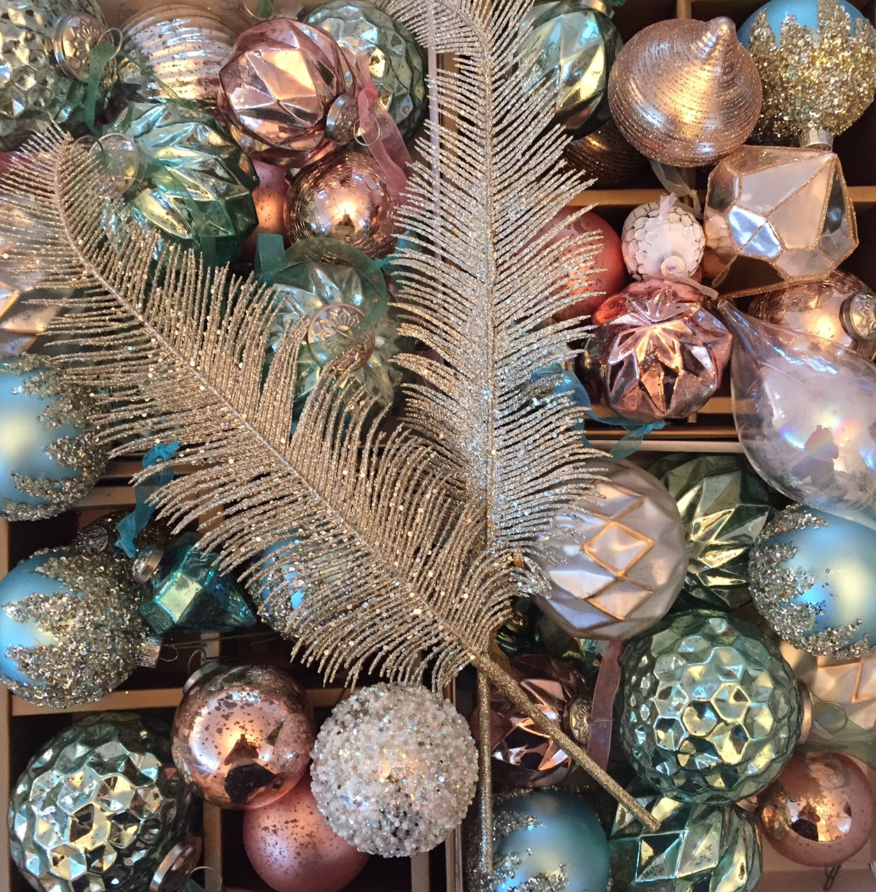 100 home goods holiday decor colors home goods holiday for Home goods christmas decorations 2013